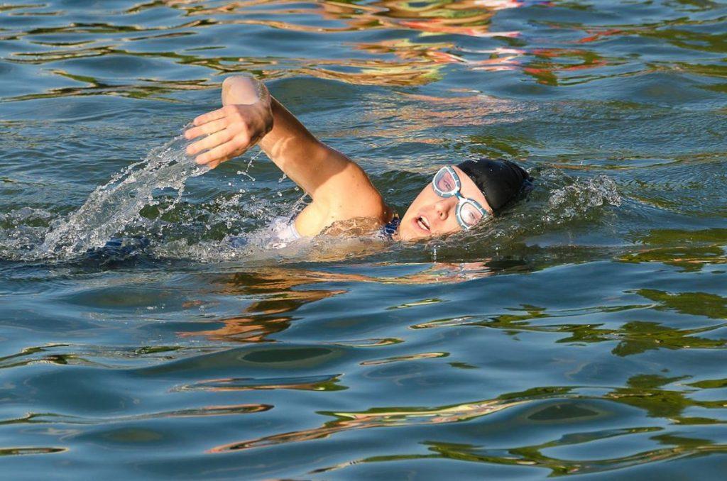 Prečo je plávanie pre organizmus dôležité a prospešné?